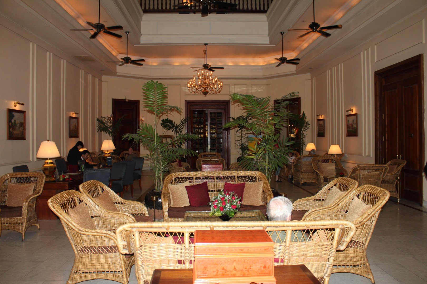 Te på ærverdige The Strand, Yangon