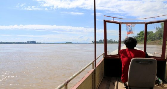 Båttur på opplevelsesferie i Laos