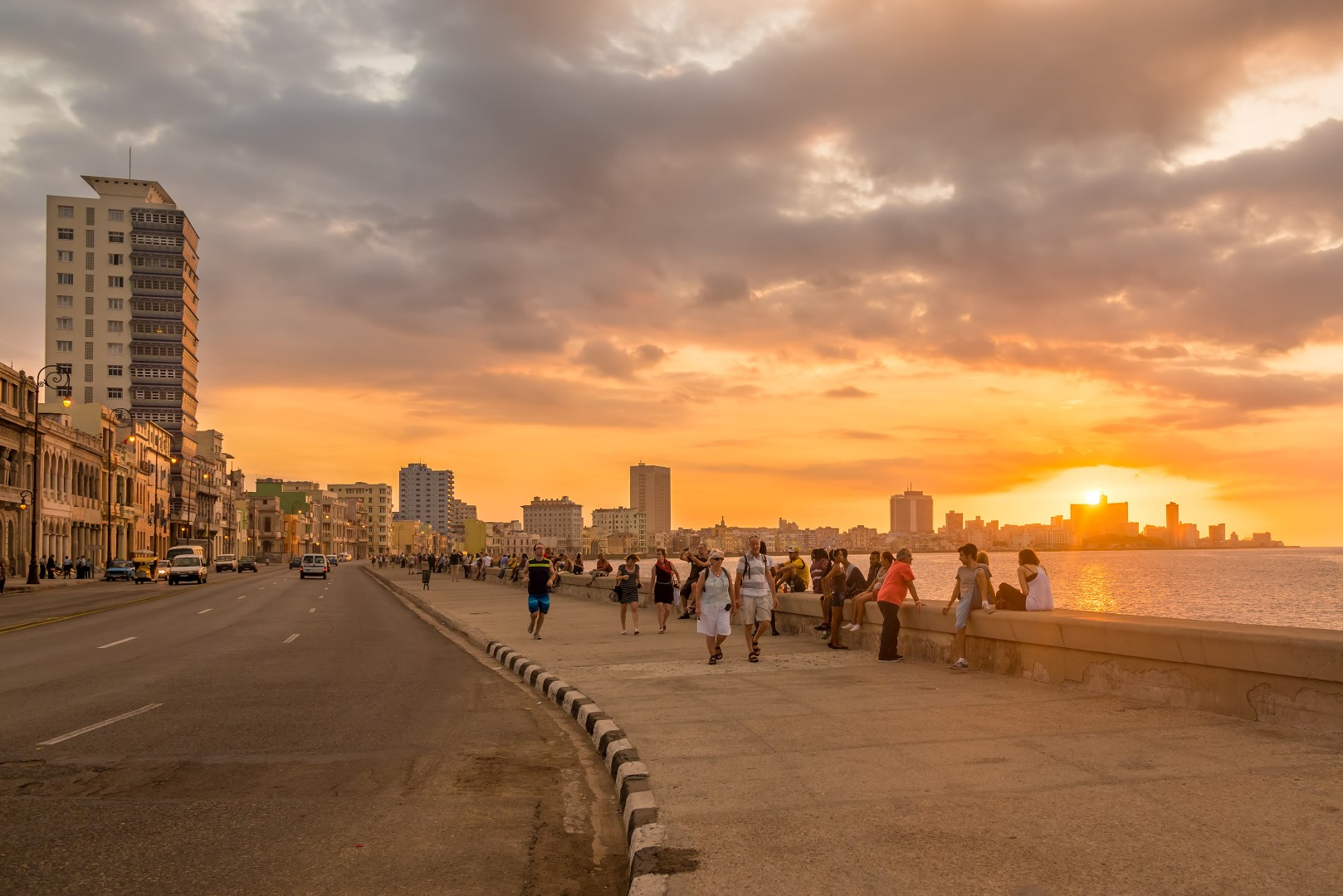 Malecon i solnedgang