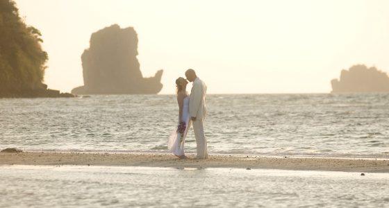 bryllup i thailand på en strand